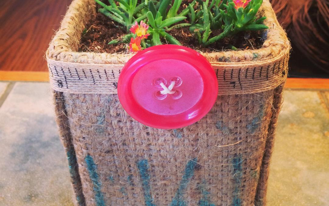 DIY: Burlap planter