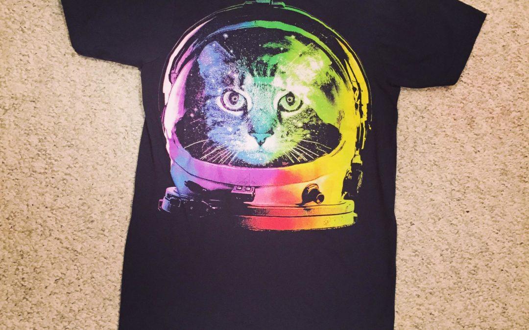 DIY: T-shirt bag