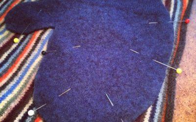 DIY: Wool sweater mittens